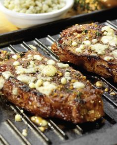 Recipe for Steak With Gorgonzola Thyme Crust