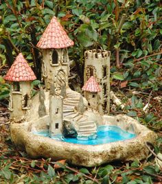 Ceramic Bird Bath, Ceramic Lantern, Clay Crafts For Kids, Arts And Crafts, Fairy Fountain, Pottery Lessons, Pottery Houses, Play Clay, School Art Projects