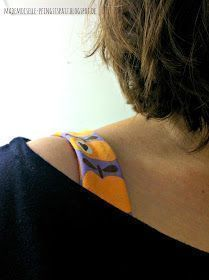 """Mademoiselle Pfingstspatz: The tiresome topic """"Ugly brassiere straps"""" and what you can sew on it. Sewing Hacks, Sewing Tutorials, Sewing Crafts, Sewing Projects, Sewing Ideas, Clothes Crafts, Sewing Clothes, Designer Bra, Natural Cosmetics"""