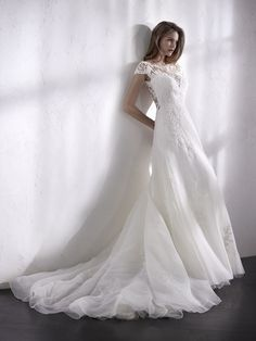 LILIEN wedding dress with cap sleeves
