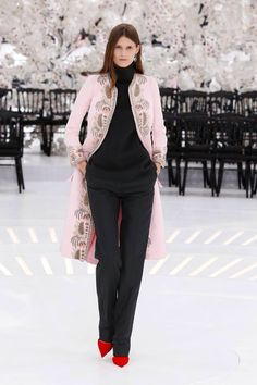 5c88bc5204578 Dior Fall Winter 2014, Winter Trends, Christian Dior Couture, Dior Haute  Couture,