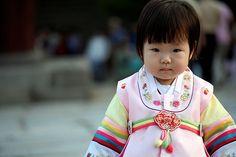 cute but kinda creepy korean kid in hanbok :)바카라싸이트✢TWIK8.COM✢바카라사이트