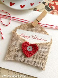Valentine's day packaging with jute card and greeting card, creative recycling . - Valentine's dYou can find Packaging and more on our website.Valentine's day packaging with jute card and greeting card, creative recycling . Diy Valentine's Day Decorations, Valentines Day Decorations, Valentine Day Crafts, Vintage Valentines, Love Valentines, Printable Valentine, Homemade Valentines, Valentine Wreath, Valentine Ideas