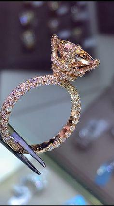 Big Wedding Rings, Beautiful Wedding Rings, Diamond Wedding Rings, Wedding Jewelry, Solitaire Diamond, Morganite Ring, Dream Wedding, Wedding Bands, Emerald Diamond