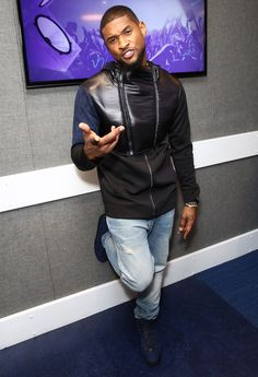 Usher has been all over the US these last few months on his URX tour. Now its time for the European leg of the tour. Usher stopped by Kiss FM to promote his London stop. The Grammy award winner was… Continue Reading →