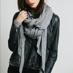 Free People Scarf Gray. I do not trade. Free People Accessories Scarves & Wraps