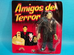 Amigos del Terror! (Thank you, eBay.) There is so much to love about this! Judging by the illustration, its Frankenstein who serves as the glue for this uneasy alliance. Look at how pained Dracula looks, like its eating his very soul to pal around with these other monsters. Then theres the action figure. Frankss arms are longer than his legs!