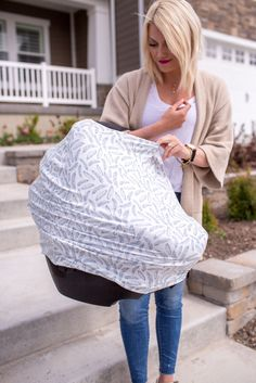 - Multi-use 5-in-1 Design - Stretchy fabric fits most all car seats, shopping carts, high chairs and nursing mothers. It can also be a trendy infinity scarf! The white fabric with navy feathers is gen