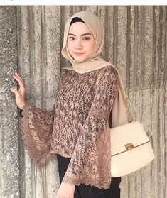 Love these sleeves Batik Fashion, Abaya Fashion, Modest Fashion, Fashion Outfits, Kebaya Modern Hijab, Kebaya Hijab, Kebaya Brokat, Kebaya Lace, Kebaya Dress