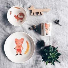 A table set for a hungry bear. Photo credit @domsli22 http://www.donnawilson.com/products/for-home/melamine-tableware