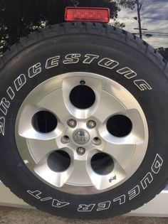 2014 Jeep Wrangler Sahara Stock tires and wheels