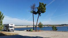 Barragem do sabugal in Portugal. Neben der Staumauer gibt es einen schönen Parkplatz wo man mit dem Wohnmobil super übernachten kann. Es ist kein Stellplatz aber Mülltonnen sind vorhanden.
