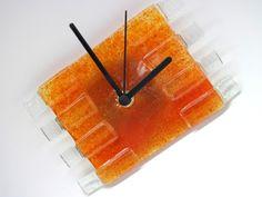 MINI Relógio em vidro   Laranja / Incolor  Ponteiros pretos  Parede  10 x 17 cm R$36,00