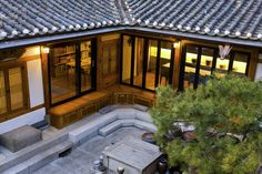 These Traditional Korean Homes Received a Modern Makeover NONAGON. Korean House, Asian House, Japanese Style House, Traditional Japanese House, Asian Architecture, Architecture Design, Village House Design, Courtyard House, Building Design