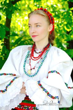 Popular Folk Embroidery Summer by MsLaurethil - Ethnic Fashion, Fashion Art, Womens Fashion, Cute Girl Pic, Cute Girls, Romania People, Costumes Around The World, Folk Embroidery, Embroidery Patterns
