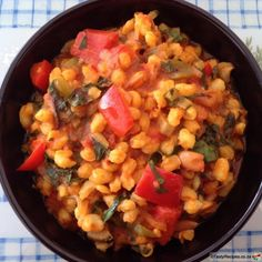 Recipe of the Week: Curried Samp. Curried Samp is also known as Umngquusho. It is said to be one of these love it or hate it meals. How To Cook Samp, South African Recipes, Ethnic Recipes, Beans Curry, Good Food, Yummy Food, Vegan Meal Plans, Bean Recipes, Family Meals
