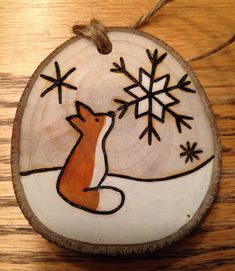 Rustic wood burned hand painted Christmas ornament - natural wood - Basteln - MY World Wood Burning Crafts, Wood Burning Patterns, Wood Burning Art, Wood Crafts, Christmas Projects, Holiday Crafts, Christmas Crafts, Christmas Decorations, Christmas Ideas