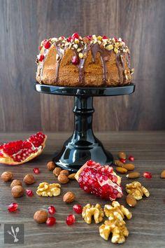 Juwelenkuchen - Nussgugelhupf mit Granatapfel #ichbacksmir #lieblingskuchen