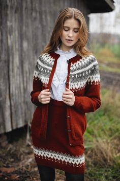 This knitted suit features printed color and buttons, and you may wear this color block suit for casual life, vacation, date and other occasion. Cute Sweaters For Fall, Girls Sweaters, Winter Sweaters, Sweaters For Women, Norwegian Clothing, Cardigan Design, Fair Isle Knitting Patterns, Icelandic Sweaters, Poncho