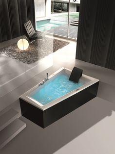 Era massasjekar fra Interform. Svart badekar, her er det mulig å få badekar med svart front. Black bathtub. Trend Bathtub, Bathroom, Glass Bathtub, Standing Bath, Washroom, Bathtubs, Bath Room, Bath, Bathrooms