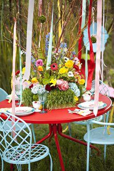An enchanting floral centerpiece. Whimsical wedding by BranchesFloralDesign.com & PolkaDotsandDaisies.com