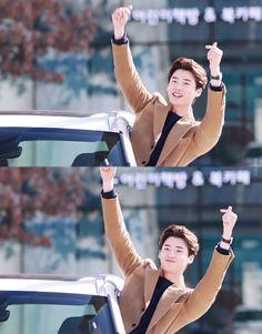 Lee Jong Suk Cute, Lee Jung Suk, Asian Actors, Korean Actors, K Pop, Lee Jong Suk Wallpaper, Young Male Model, Doctor Stranger, W Two Worlds