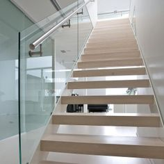 Grado Design Oy | LUMO-portaat One Room Apartment, Home Fashion, Townhouse, Stairs, House Styles, Design, Decoration, Home Decor, Image