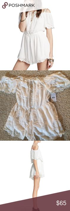 Free People Romance Off-The-Shoulder Romper Medium 🌺FREE PEOPLE🌺 ROMANCE OFF-SHOULDER ROMPER IN IVORY/OFF-WHITE. Retails: $128 - Reasonable offers welcomed will either accept or counter with lowest! Condition: New With Tags Size: Medium - A shoulder-baring bodice with daring keyhole adds festival-ready style to a gauzy romper finished with sweet eyelet trim & tassel-tipped ties - Cold off-Shoulder Short Sleeve Romper - Keyhole at center front with tassled ties - Encased elastic waistband…