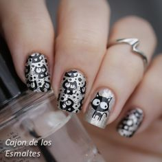 Nail art - Silver Cats Stamping with from Bornpretty Store Mais Gorgeous Nails, Love Nails, How To Do Nails, Pretty Nails, Cat Nail Art, Cat Nails, Seasonal Nails, Holiday Nails, Nail Polish Designs