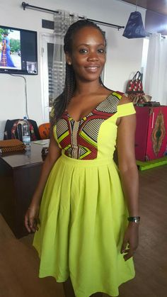 Lime green and African print dress. Short African Dresses, African Print Dresses, African Print Fashion, Africa Fashion, African Fashion Dresses, Fashion Outfits, African Attire, African Wear, African Women
