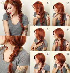 Delikatny warkocz na boku, w tym przypadku najlepiej na długich włosach!