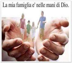 UMILE PREGHIERE - Google+ Angeles, Holding Hands, Catholic, Christ, Faith, Madonna, Amen, Frases, Smile