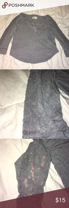 Hollister grey long sleeve with lace details This shirt has lace detailing on the sleeves with provides a more girly feel Hollister Tops Tees - Long Sleeve