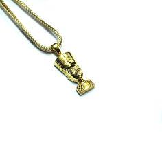 #bijoux #swag #streetwear #or #nefertiti #noel http://everythinghiphop.fr/departements/bijoux/all-jewellery/gold-queen-nefertiti-pendentif-plaque-or-18-carats-flat-franco-box-chain.html