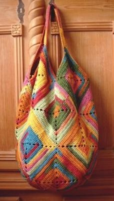 Free crochet bag pattern...nice! #crochet