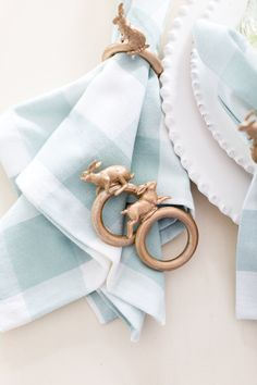 Craftberry Bush | DIY Easter Bunny Napkin Ring | http://www.craftberrybush.com