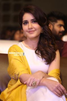 Rashi Khanna Photos - Actress Raashi Khanan Stills Gallery Indian Actress Photos, Actress Pics, South Indian Actress, South Actress, Tamil Actress, Beautiful Girl Photo, Beautiful Girl Indian, Most Beautiful Indian Actress, Wonderful Picture