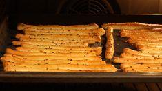Sós rudak zsírral készítve – Kívül ropogós, belül pedig isteni omlós! Scones, Bacon, Goodies, Bread, Cooking, Food, Hungarian Recipes, Lasagna, Sweet Like Candy