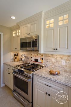 Remodeling Kitchen Countertops Shiloh maple cabinets in Eggshell with a Cafe glaze and Mediterranean Silestone Countertops Farmhouse Kitchen Decor, Kitchen Redo, Home Decor Kitchen, New Kitchen, 10x10 Kitchen, Kitchen Ideas, Ivory Kitchen, Kitchen Small, Design Kitchen
