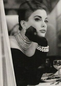 fashion, pearls, breakfast at tiffanys, audrey hepburn, white