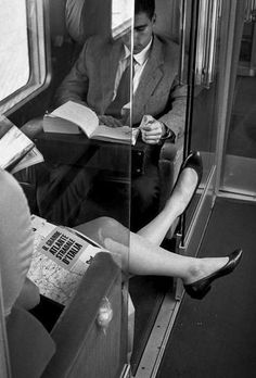 La lettura in treno, Italy 1991 - Photo: Ferdinando Scianna