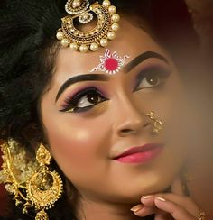 Bridal Hairstyle Indian Wedding, Indian Bridal Photos, Bengali Wedding, Bengali Bride, Bridal Hairdo, Indian Bridal Hairstyles, Bridal Makeup Images, Bridal Eye Makeup, Bridal Makeup Looks