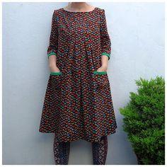Ivy Arch: Elfish Sewing: Stylish Dress Book 1 - Dress E Stylish Dress Book, Stylish Dresses, Simple Dresses, Linen Dresses, Cotton Dresses, Smock Dress, Baby Boys, Dress Patterns, Look