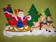 Santa con Trineo en Fieltro con Moldes Felt Christmas, Handmade Christmas, Christmas Crafts, Christmas Decorations, Xmas, Christmas Ornaments, Holiday Decor, Christmas Things, Christmas Ideas