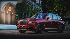 BMW and Rolls-Royce have decided to wow their visitors with some special products, from the World Premiere: BMW Motorrad Concept to the Concept Gran Coupe and of course, the all-new and a first for the Brits, the Rolls-Royce Cullinan. English Day, Rolls Royce Cullinan, Mercedes 300sl, African Market, Bentley Mulsanne, Mini Trucks, Custom Trucks, New Tricks, Luxury Cars