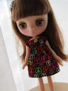 Peace Dress for Middie Blythe ~ BlytheKnits @ etsy
