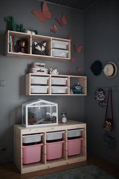 studioelwa_barnrum_trofast_ikea - Ikea DIY - The best IKEA hacks all in one place Living Room Mirrors, Living Room Grey, Living Room Decor, Trofast Ikea, Ikea Kura, Fantasy Bedroom, Hm Home, Playroom Organization, Ikea Storage