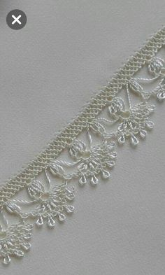 Seed Bead Tutorials, Beading Tutorials, Needle Lace, Bobbin Lace, Yarn Crafts, Diy And Crafts, Linens And Lace, Lace Making, Crochet Flowers
