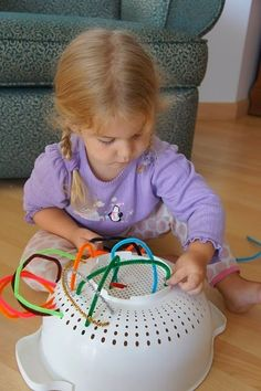 Mess For Less: Fun with Pipe Cleaners - Here is a quick idea for fine motor skills that uses something most everyone has - a colander! You will also need some pipe cleaners. This fine motor skills activity takes no time to set up and is great for when you Kids Crafts, Craft Activities For Kids, Preschool Activities, Summer Activities, Indoor Activities, Toddler Fine Motor Activities, Activities For Autistic Children, Crafts Cheap, Sock Crafts