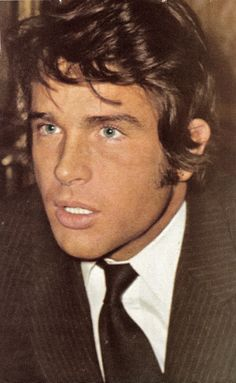 warren Beatty...a real babe in his time! Can't believe who his sister is though